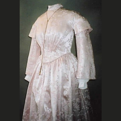 Ladies Round Dresses (1840s-1852)  LM114