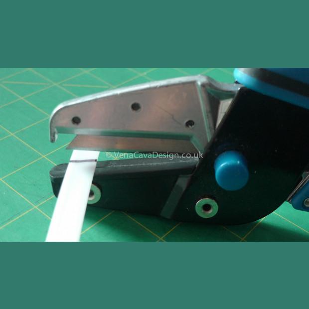 Multipurpose Cutters for Plastic Boning, heat shrink etc Silverline Brand