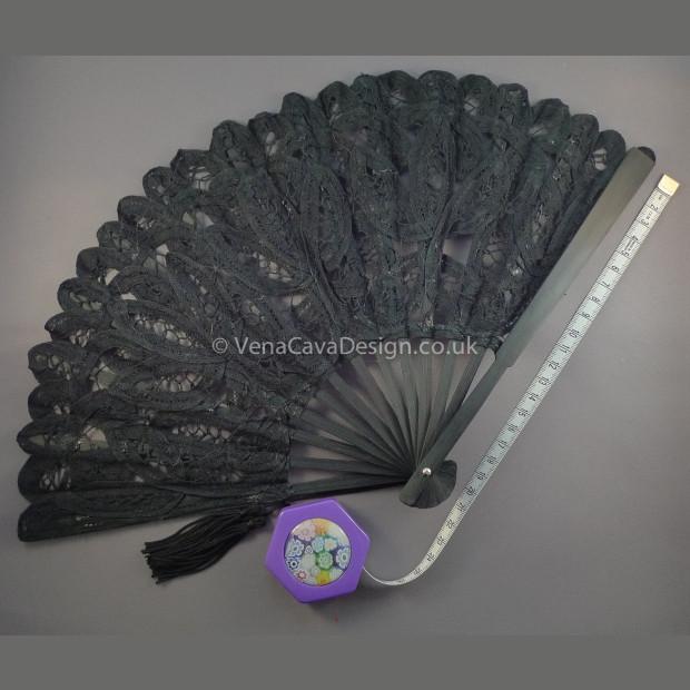 Battenberg Lace Fans (Small)