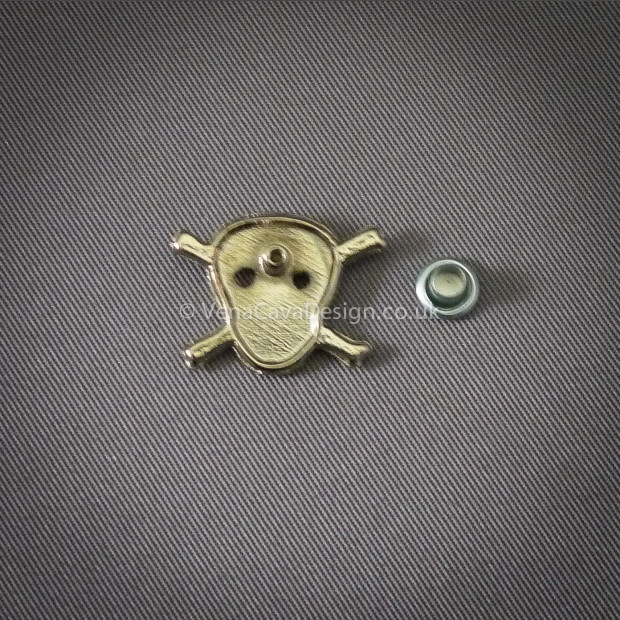 Skull and Crossbone Studs