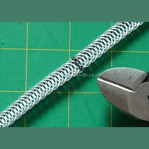Spiral Wire Cutters. Heavy Duty Knipex cutters. Tough, Chrome Vanadium Tool.