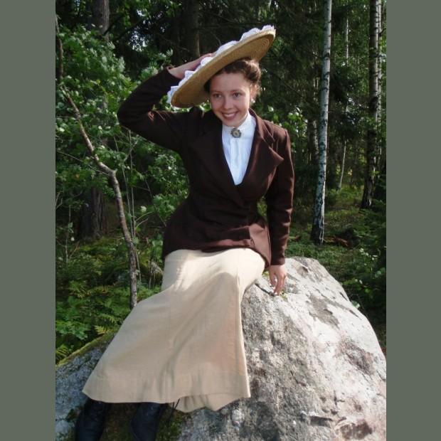 "1909 ""Beatrix"" Skirt Pattern"